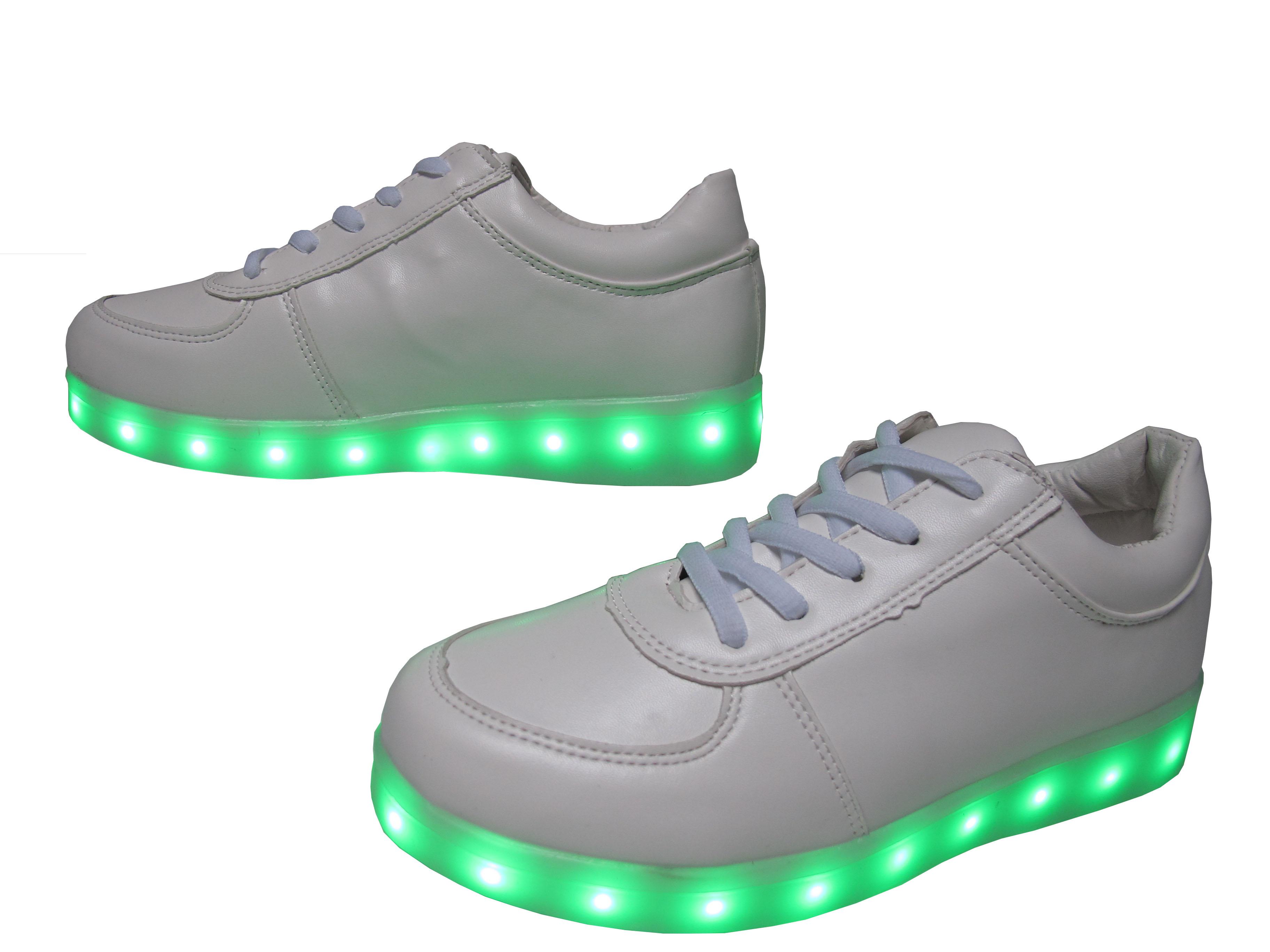ff59ecd567e Дамски спортни обувки/светещи/еко кожа бели 6002-2 | Юношески обувки ...