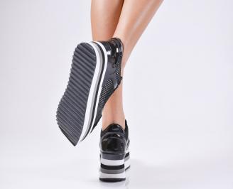 Дамски обувки на платформа еко кожа/лак черни 3
