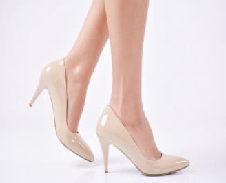 Дамски  обувки еко кожа/ лак бежови