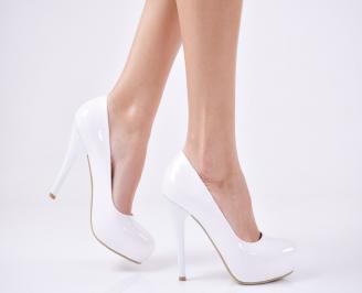 Дамски елегантни обувки на ток еко кожа/лак бели