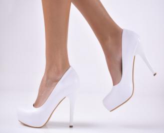 Дамски елегантни обувки на ток еко кожа бели