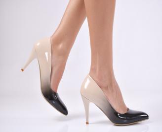 Дамски елегантни обувки еко кожа/ лак бежови