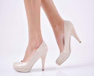 Дамски елегантни обувки-Гигант еко лак бежов