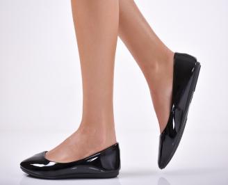 Дамски обувки равни еко кожа/ лак черни