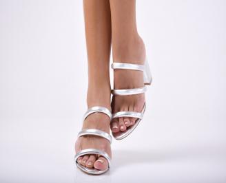 Дамски  чехли   сребристи