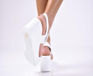 Дамски сандали естествена кожа бели