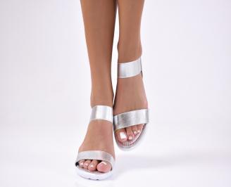 Дамски равни  сандали  сребристи
