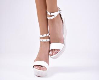 Дамски  сандали на платформа бели