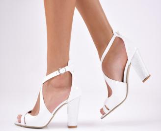 Дамски  елегантни сандали еко кожа /лак  бели