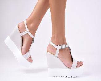Дамски сандали  телесен цвят