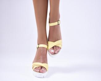 Дамски  сандали на платформа  еко кожа жълти