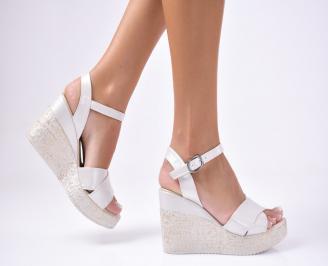 Дамски  сандали на платформа  бежови