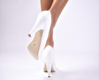 Дамски елегантни обувки еко лак бели