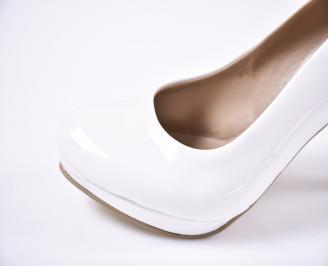 Дамски  обувки Гигант  бели