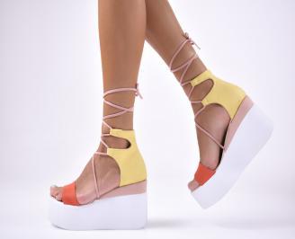 Дамски сандали на платформа велур шарени