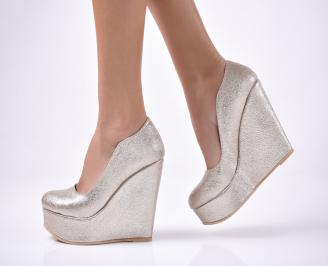 Дамски  обувки на платформа  златисти