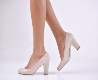 Дамски  елегантни обувки гигант бежови.