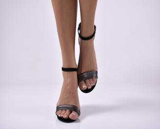 Дамски елегантни сандали еко велур черени.