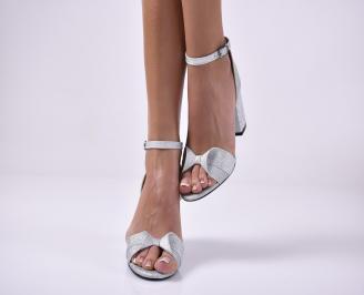 Дамски елегантни сандали текстил брокат сребристи.