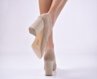 Дамски елегантни обувки еко набук бежови.
