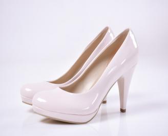 Дамски елегантни обувки гигант еко лак пудра
