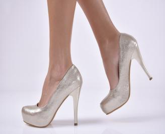 Дамски елегантни обувки  златисти.