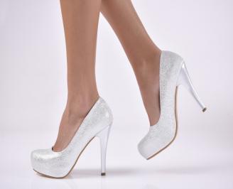 Дамски елегантни обувки  сребристи.