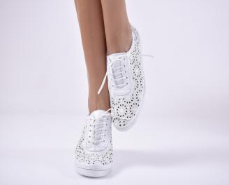 Дамски равни обувки гигант, естествена кожа бели.