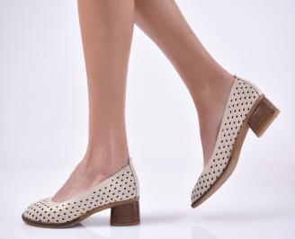 Дамски ежедневни обувки естествена кожа бежови.