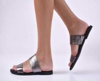 Дамски равни чехли естествена кожа сребристи.