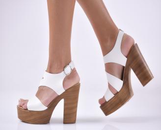 Дамски елегантни сандали естествена кожа бели.