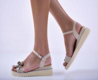 Дамски равни сандали естествена кожа бежови.