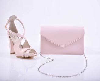 Комплект чанта и обувки лак пудра
