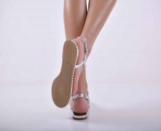 Дамски равни сандали сребристи EOBUVKIBG 3
