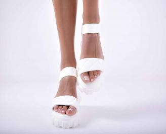 Дамски сандали  равни бели EOBUVKIBG