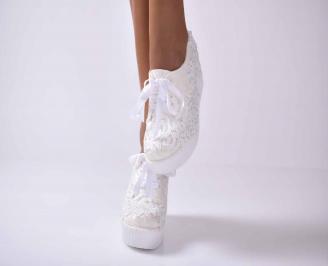 Дамски обувки на платформа бели EOBUVKIBG