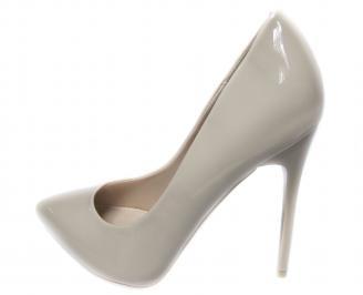 Дамски елгантни обувки еко кожа/лак бежови