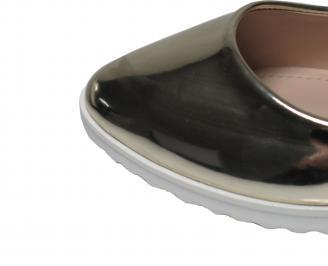 Дамски равни обувки еко кожа/лак златисти