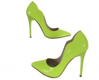 Дамски елегантни обувки еко кожа /лак зелен електрик