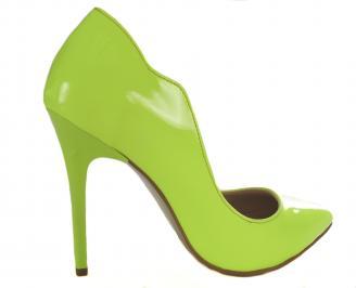 Дамски елегантни обувки еко кожа /лак зелен електрик 3