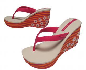 Дамски силиконови чехли на платформа Ipanema шарени