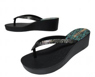 Дамски  силиконови чехли на платформа Ipanema черни
