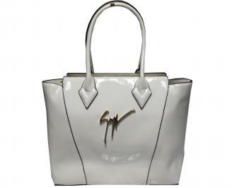 Дамска чанта еко кожа/лак бежова