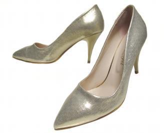 Дамски елвгантни обувки еко кожа златисти