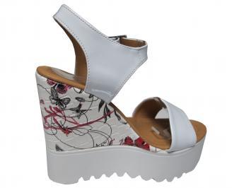 Дамски сандали на платформа еко кожа/лак  бели 3