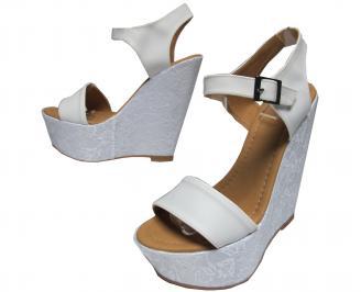 Дамски сандали на платформа еко кожа/дантела бели