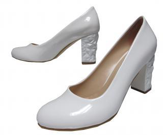 Дамски елегантни обувки еко кожа/лак бели
