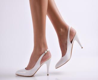 Дамски елегантни сандали бели еко кожа