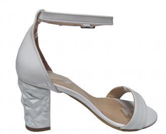Дамски елегантни сандали бели еко кожа/лак 3