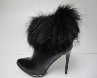 Дамски елегантни боти еко кожа черни с естествен пух